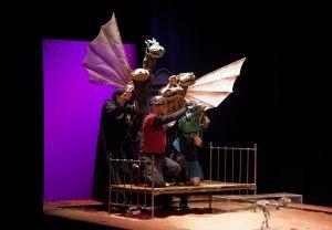 teatr-animacji-z-poznania-w-spektaklu-smoki-fot-jozefina-matusiak