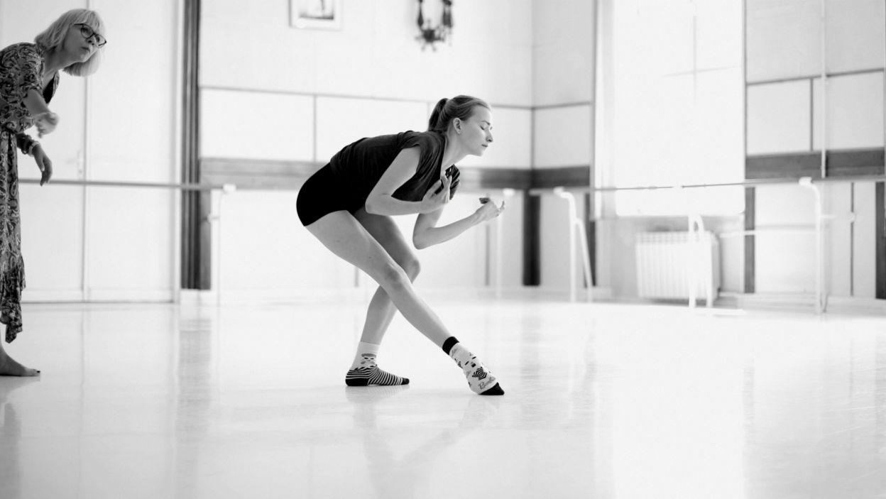 Julia Ciesielska, podobnie jak wszyscy tancerze, trenuje pod czujnym okiem choreografa (fot. Z. Gąsiorowska)