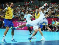 Bertrand Gille w ataku na bramkę Szwecji (fot. Getty Images)
