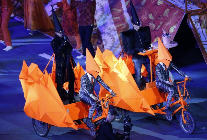 Pet Shop Boys wjechali na nietypowych rydwanach (fot. Getty Images)
