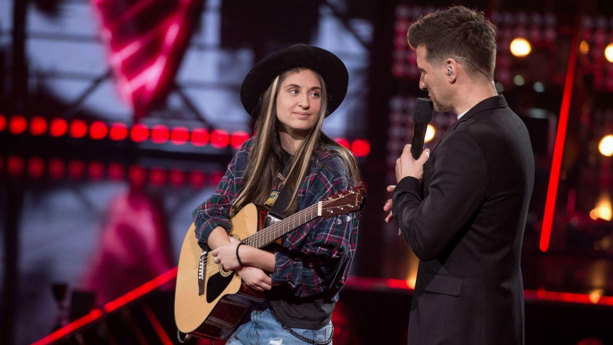 – Ed Sheeran udowodnił, że człowiek z gitarą wypełnia stadiony – podsumował występ Karoliny Tomasz Kammel (fot. J. Bogacz/TVP)