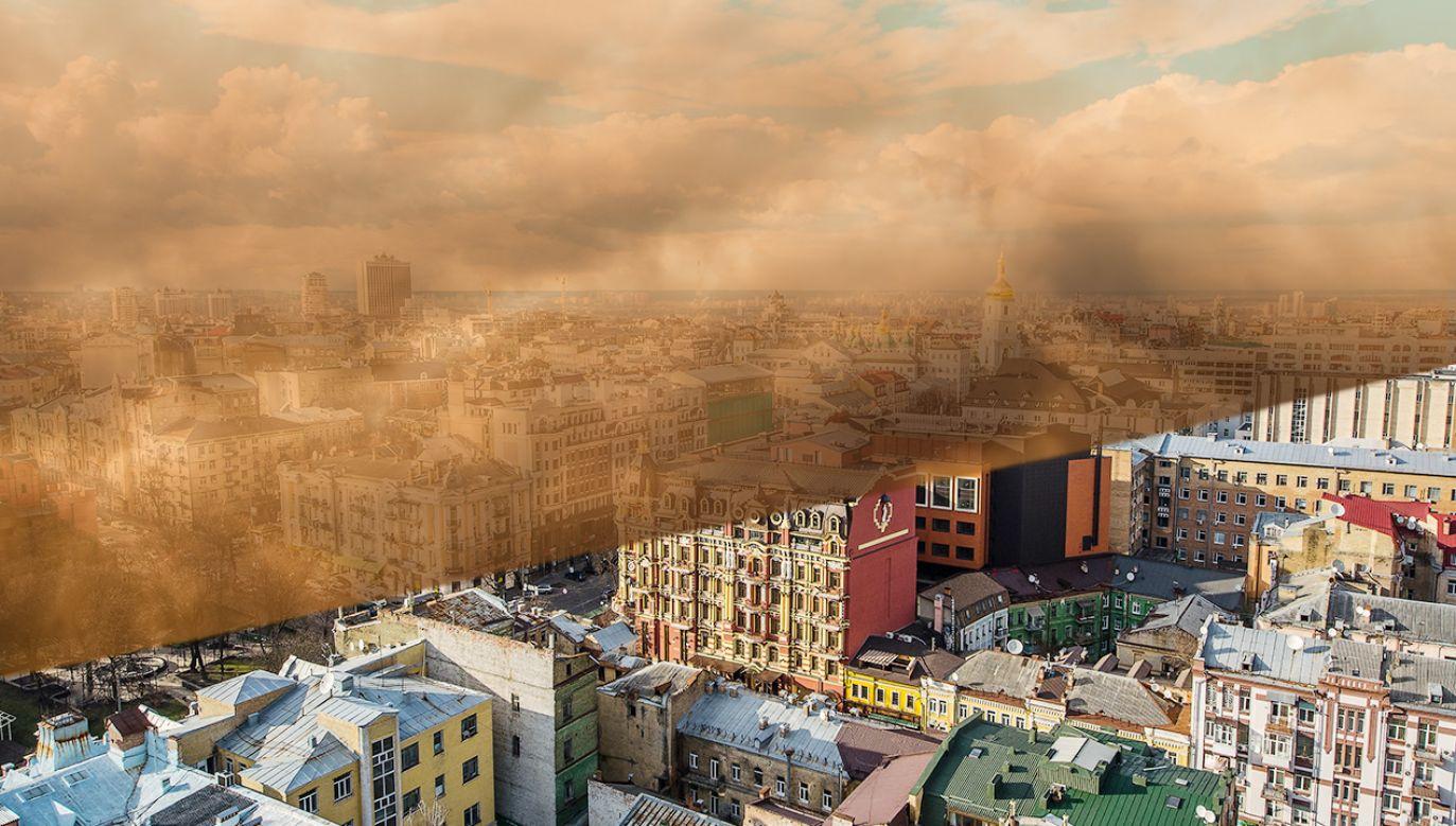 """Burza piaskowa nad Kijowem. Uderzył """"Astrachański suchowiej"""" (fot. Shutterstock; zdjęcie ilustracyjne)"""