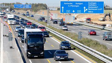 Polskie firmy transportowe mogą stracić kilkadziesiąt tysięcy miejsc pracy (fot. REUTERS/Michaela Rehle)