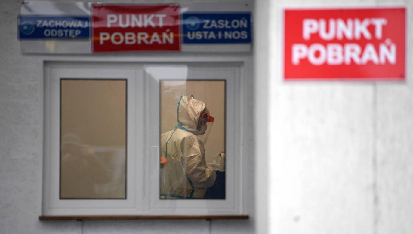 Obaj politycy poddali się testowi na obecność koronawirusa (fot. PAP/Darek Delmanowicz)