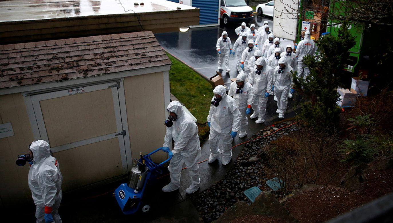 Liczba ofiar śmiertelnych koronawirusa to już blisko 31 tys. osób na całym świecie (fot. REUTERS/Lindsey Wasson)