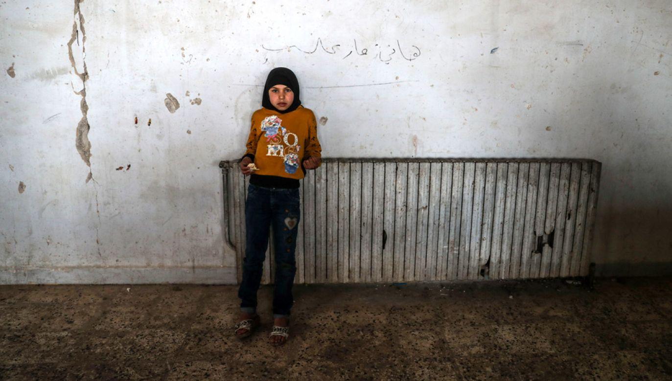 Co trzecie dziecko w wieku szkolnym w Syrii pozostaje poza systemem edukacji (fot. arch.PAP/EPA/MOHAMMED BADRA)