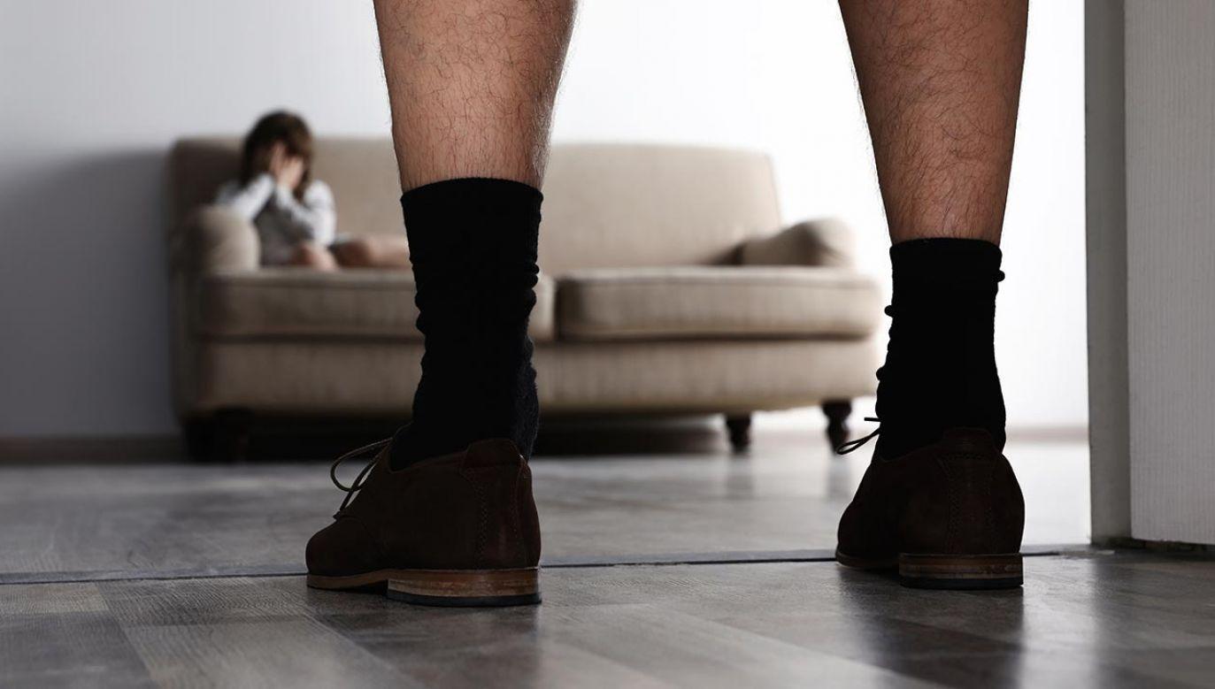 Chodzi o podejrzenie pedofilii fot. Shutterstock/New Africa)