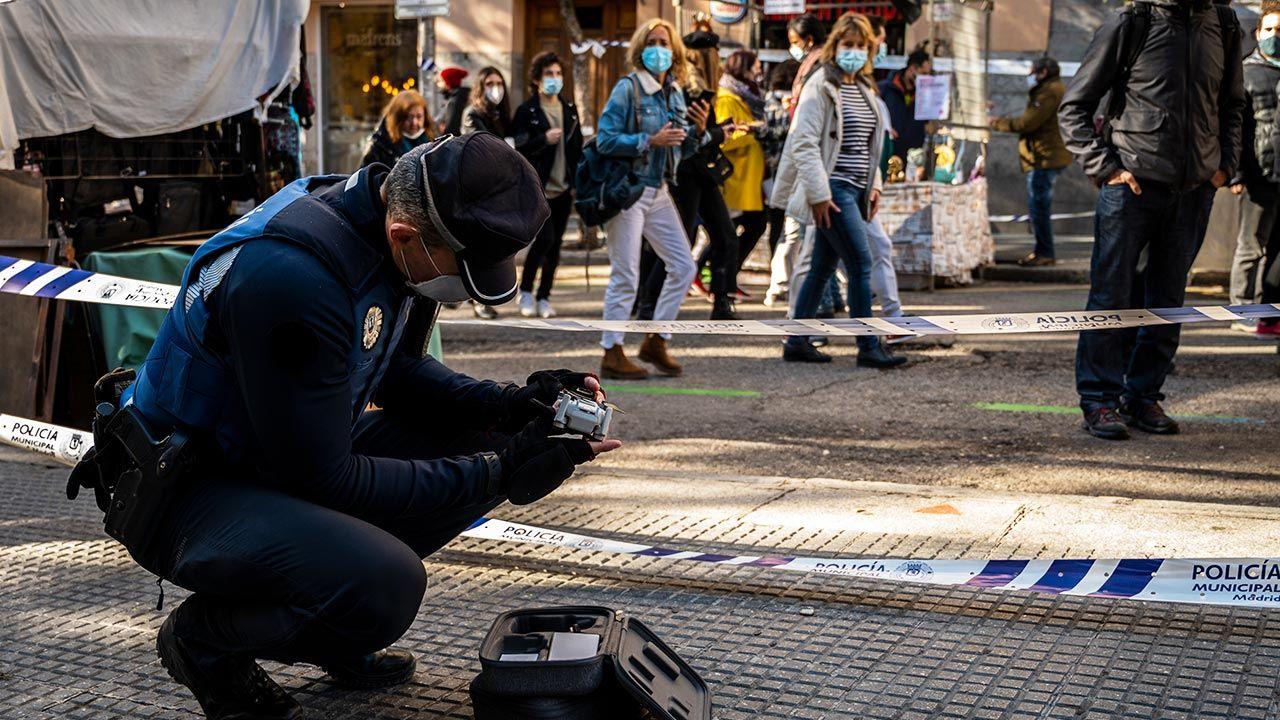 Koronawirus w Madrycie. Policja i drony pilnują przestrzegania ograniczenia w przemieszczaniu się | TVP Info - tvp.info