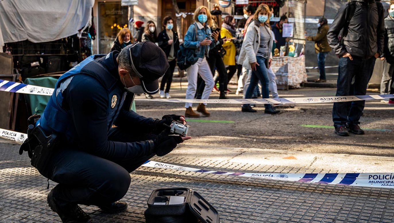 Dodatkowe ograniczenia objęły 16 obszarów w dziewięciu dzielnicach Madrytu (fot. Marcos del Mazo/LightRocket via Getty Images)