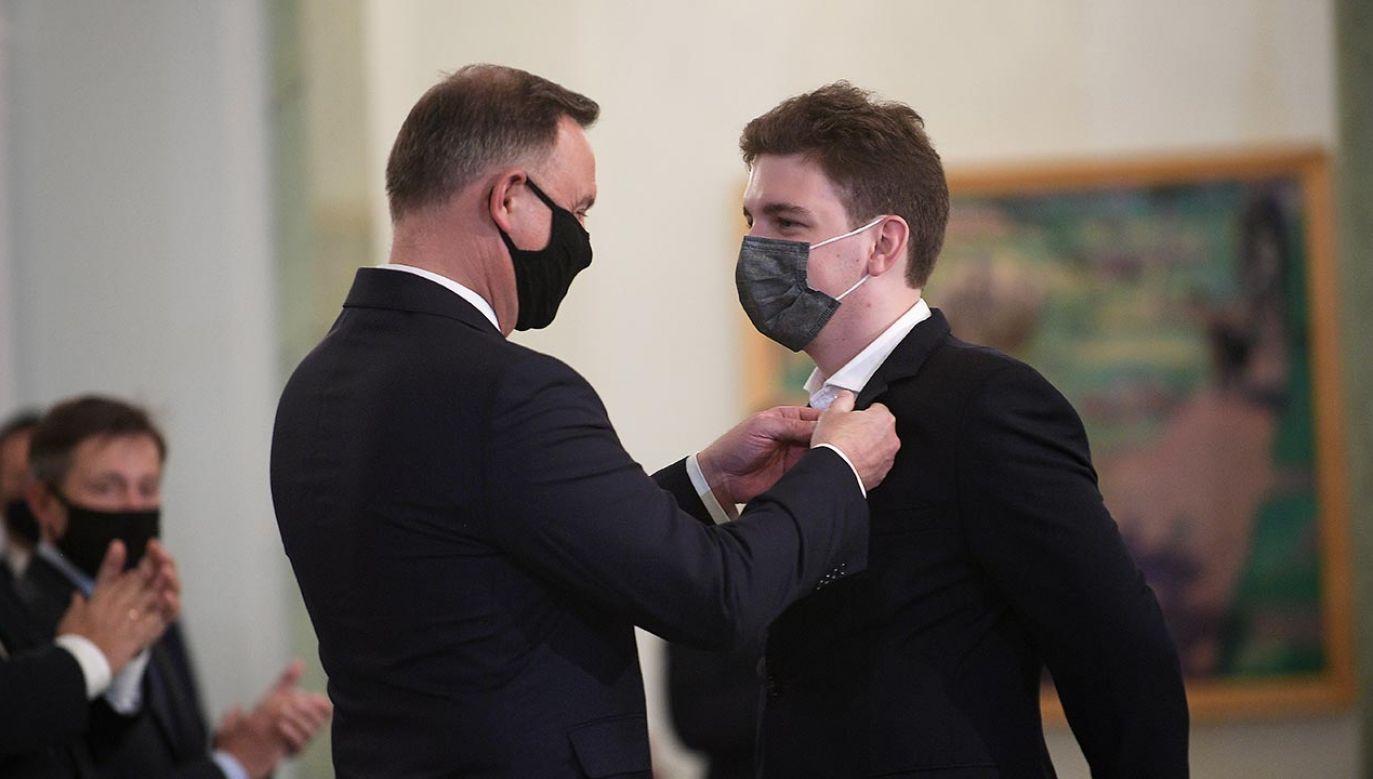 Uroczystość wręczenia odznaczenia odbyła się w Pałacu Prezydenckim (fot. PAP/Marcin Obara)