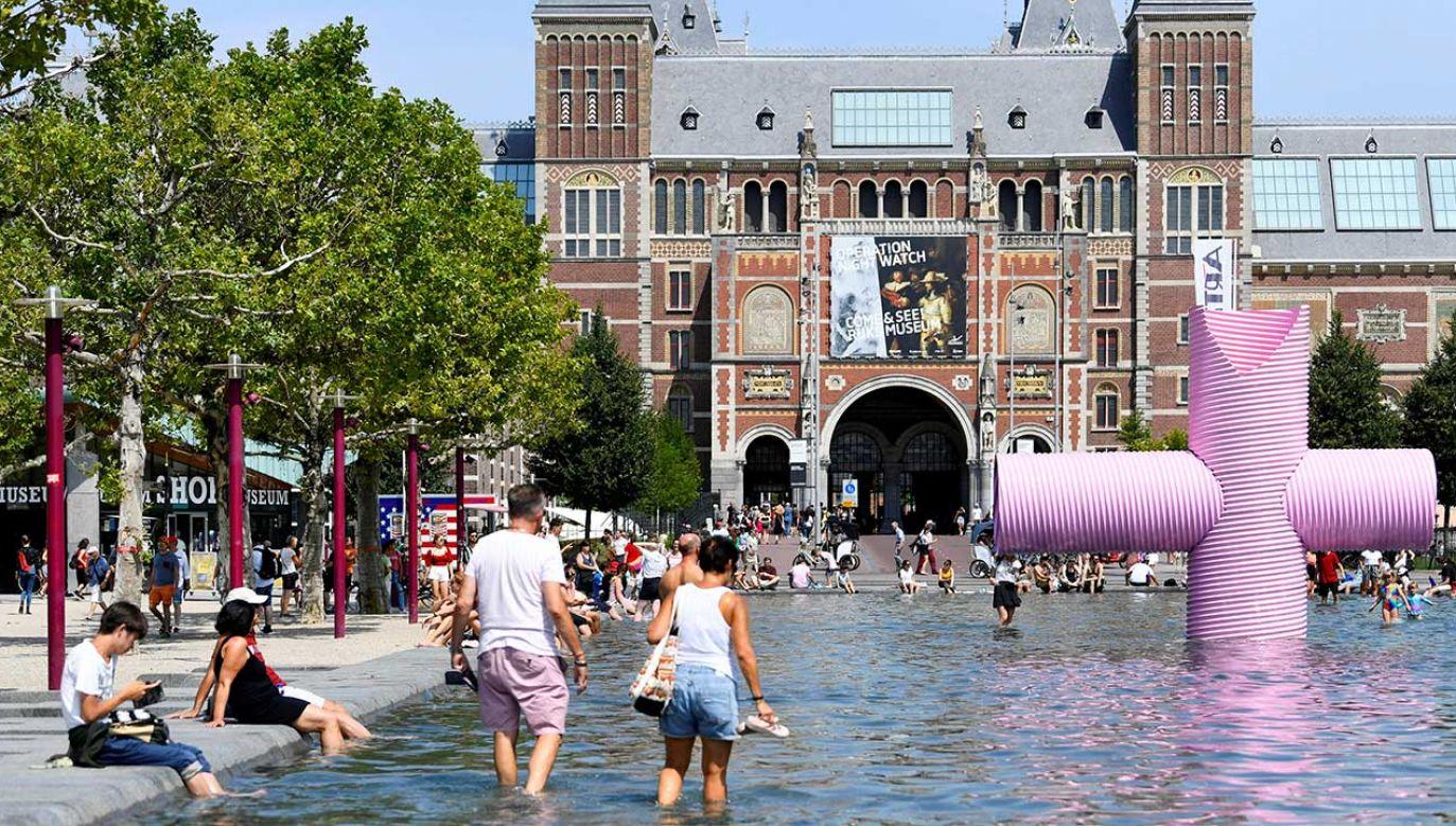Podobną liczbę zgonów w Holandii odnotowano podczas fali upałów w 2006 roku (fot.  REUTERS/Piroschka van de Wouw)