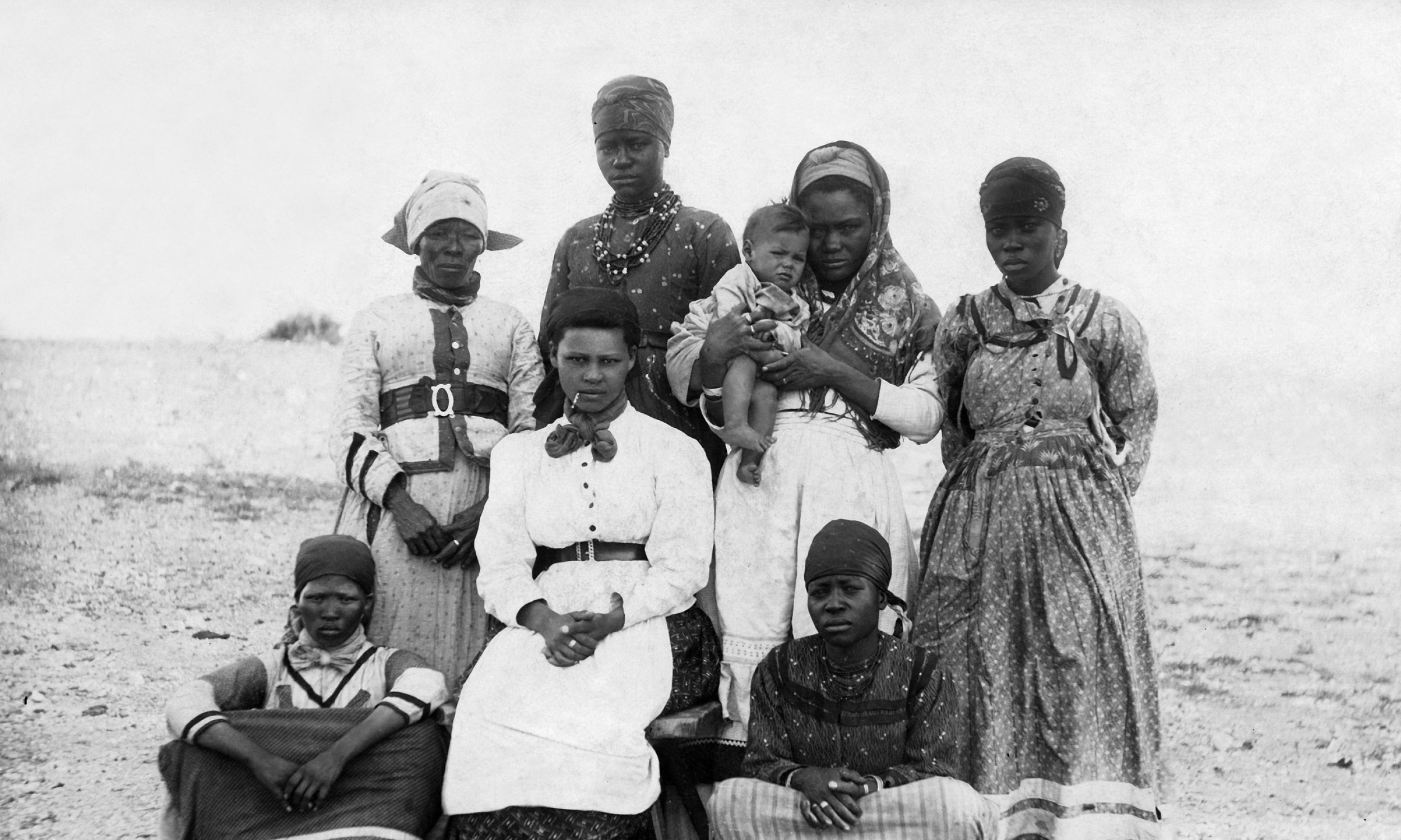 Rok 1904. Grupa kobiet Herero w zachodnich ubraniach. Fot. Ullstein bild / ullstein bild via Getty Images