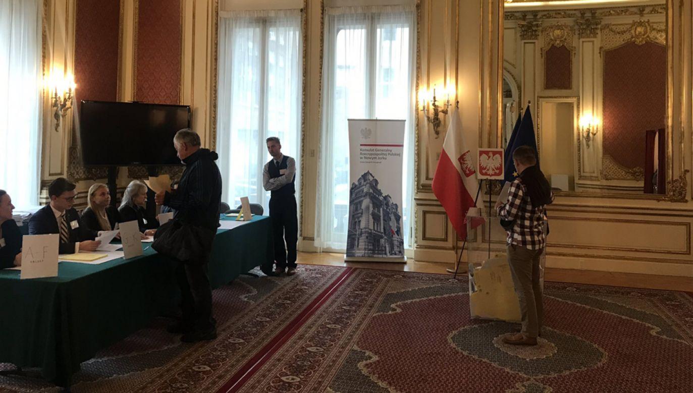 Według konsula generalnego RP w Nowym Jorku Macieja Golubiewskiego duże zainteresowanie wyborców wyborami można odnotować zwłaszcza w silnych skupiskach Polonii(fot. Polish Consulate NYC / @PLinNewYork/Twitter)