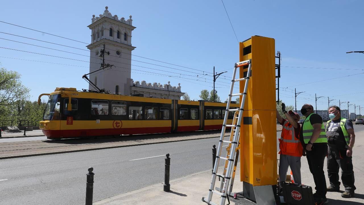 Fotoradary mają zacząć robić zdjęcia będące podstawą mandatów już na początku lata (fot. PAP/Paweł Supernak)