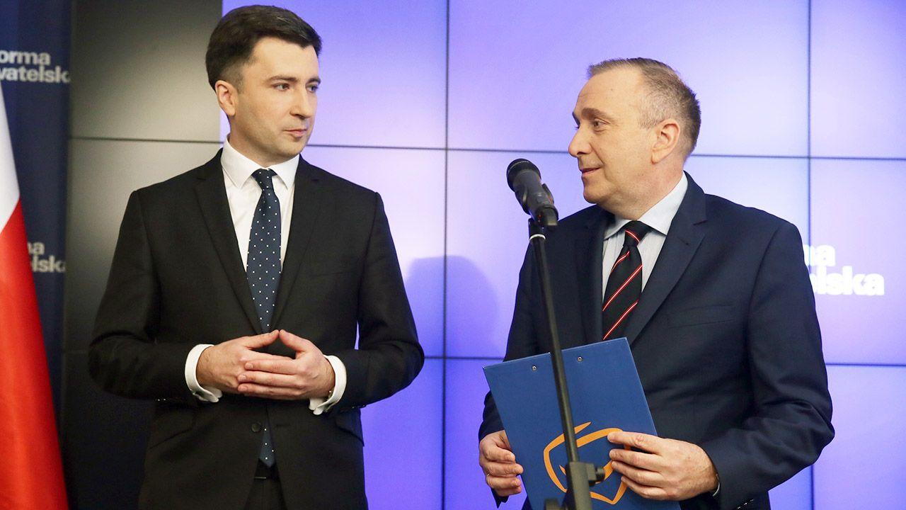 """""""Nic co dane, nie będzie odebrane"""" – zapewniał lider PO Grzegorz Schetyna (fot. arch.PAP/Tomasz Gzell)"""