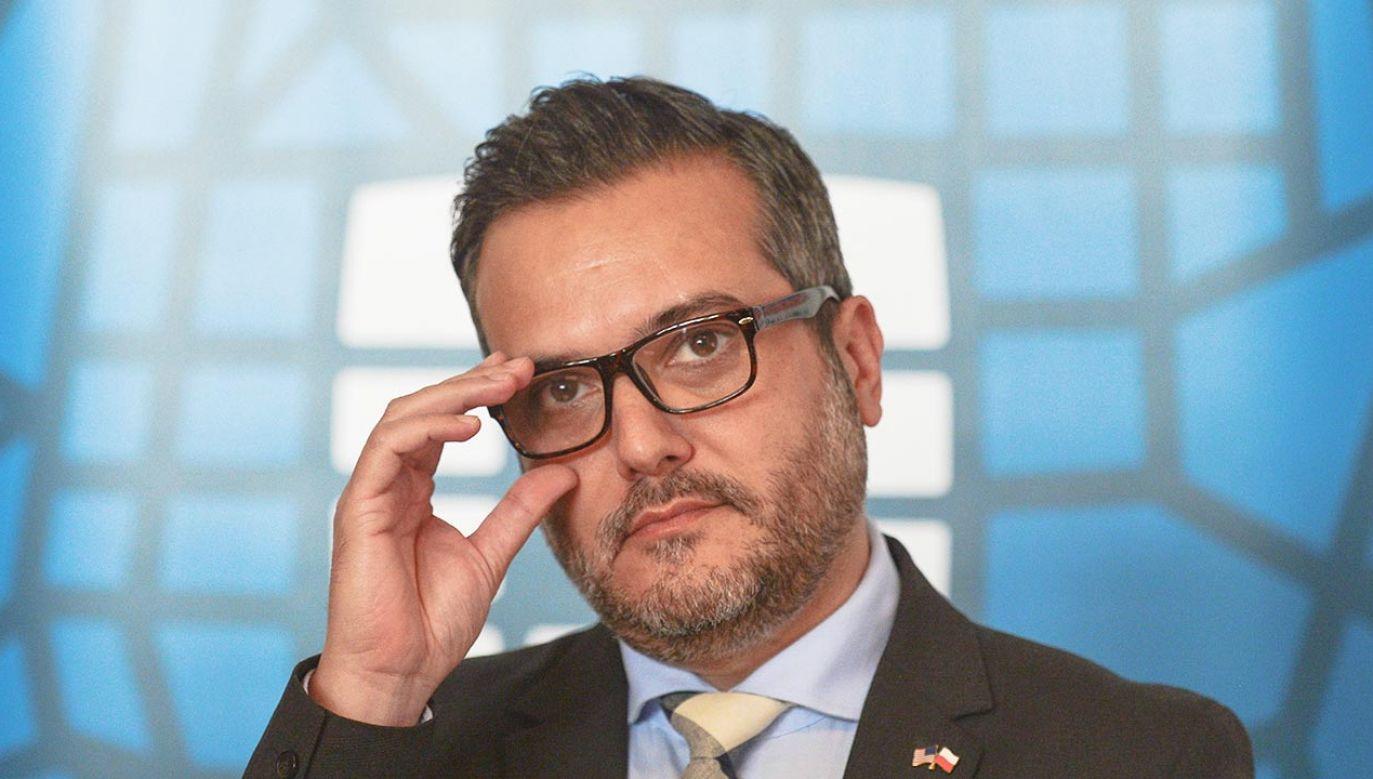 Chargé d'affaires ambasady USA w Polsce Bix Aliu (fot. Artur Widak/NurPhoto via Getty Images)