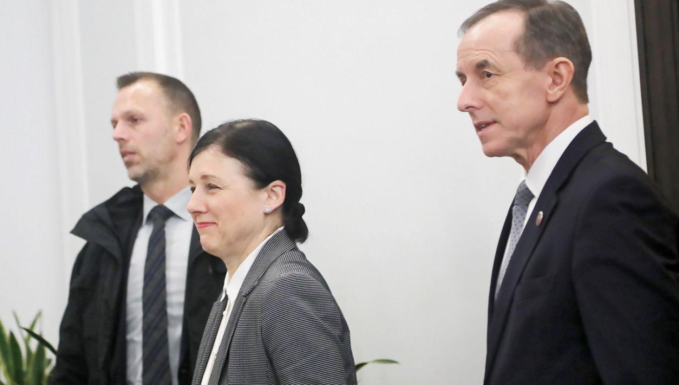 """Po spotkaniu marszałek Grodzki powiedział, że """"jest coraz więcej sygnałów, że środki unijne będą przekazywane pod warunkiem przestrzegania praworządności"""" (fot. PAP/Wojciech Olkuśnik)"""