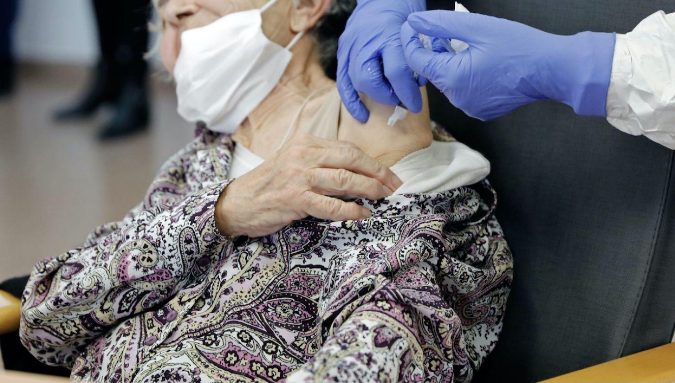 105-latka pokonała koronawirusa (fot. PAP/EPA, zdjęcie ilustracyjne)