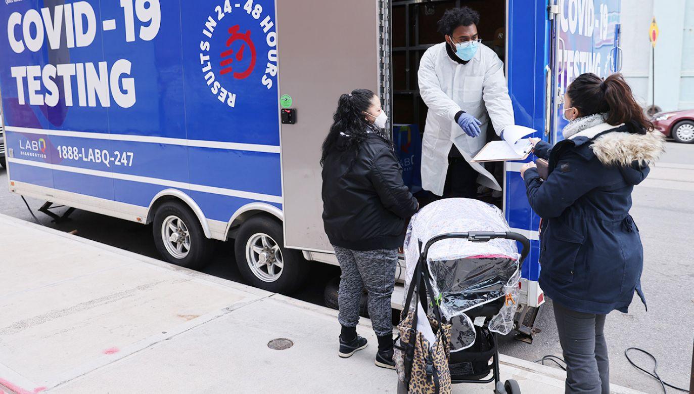 Walka z wykrytą mutacją wirusa może być trudniejsza (fot. Spencer Platt/Getty Images)