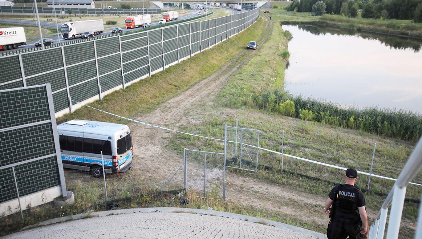 Miejsce, gdzie ujawniono ciało (fot. PAP/Leszek Szymański)