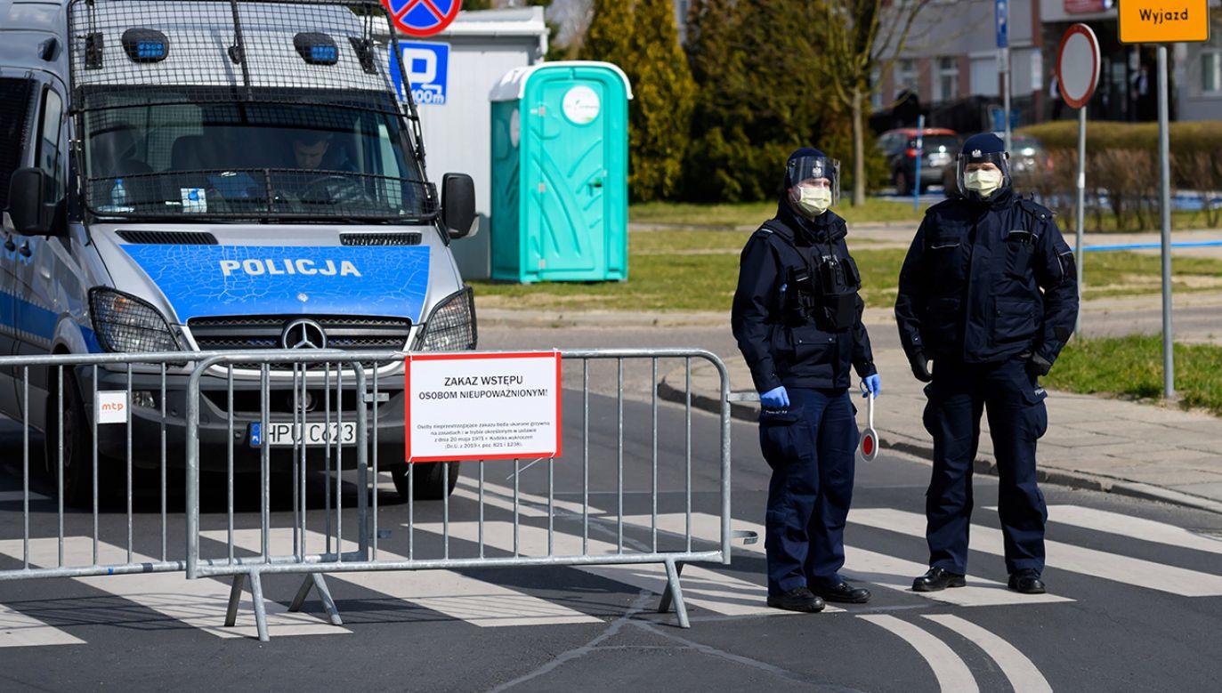 Trwa walka z epidemią (fot. PAP/Jakub Kaczmarczyk)
