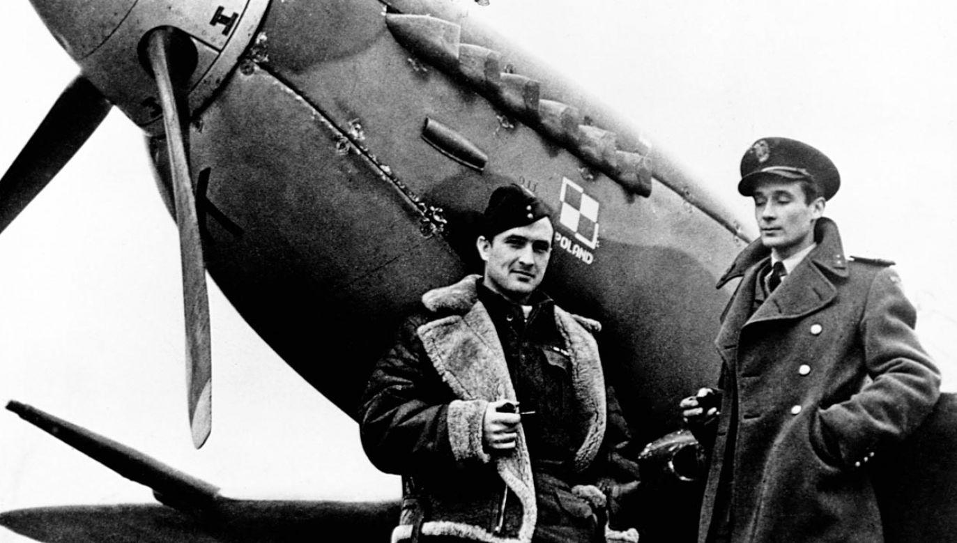 Polscy piloci w Wielkiej Brytanii ok. 1941 roku (fot.  © CORBIS/Corbis via Getty Images)