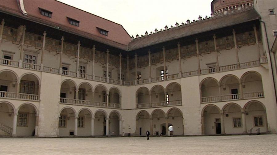 Dziedziniec arkadowy na Wawelu będzie otwarty dla zwiedzających (fot. TVP3 Kraków)