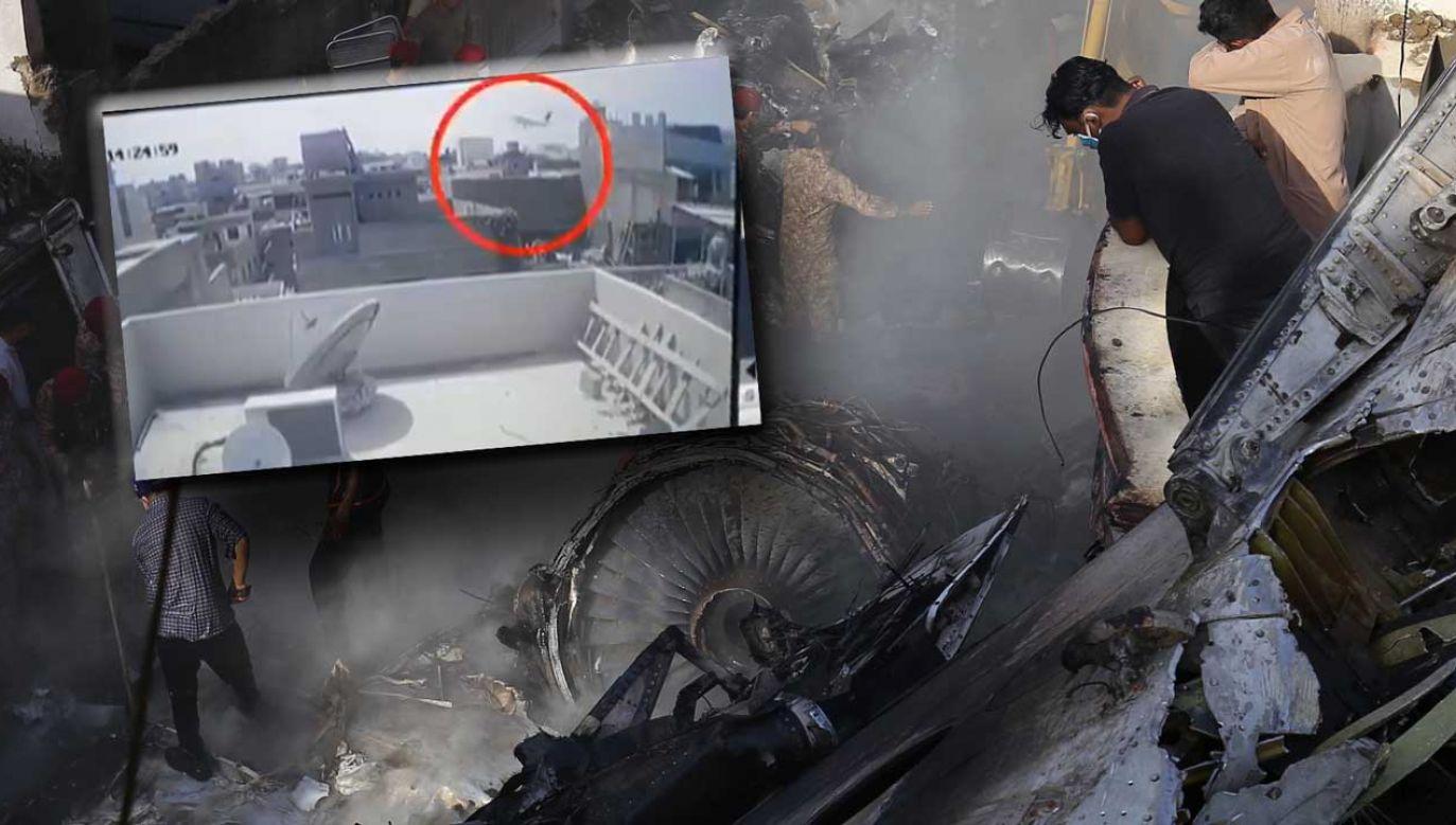 Na nagraniu widać, jak pakistański airbus spada na dzielnicę mieszkalną (fot. PAP/EPA/SHAHZAIB AKBER; Twitter/ BNO News)