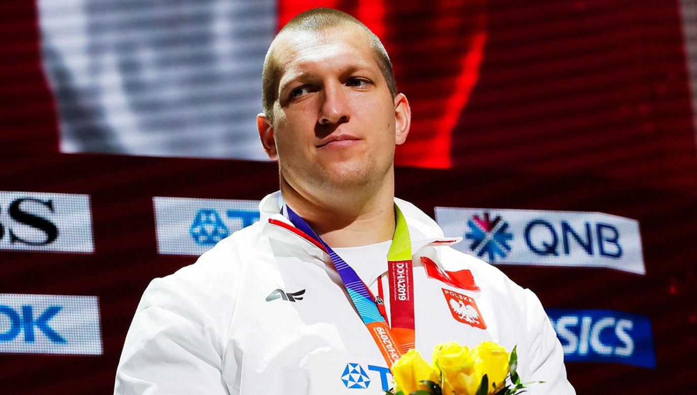 Wojciech Nowicki pomimo rozczarowującego występu, wrócił do Polski z medalem (fot.PAP/EPA/ROBERT GHEMENT)