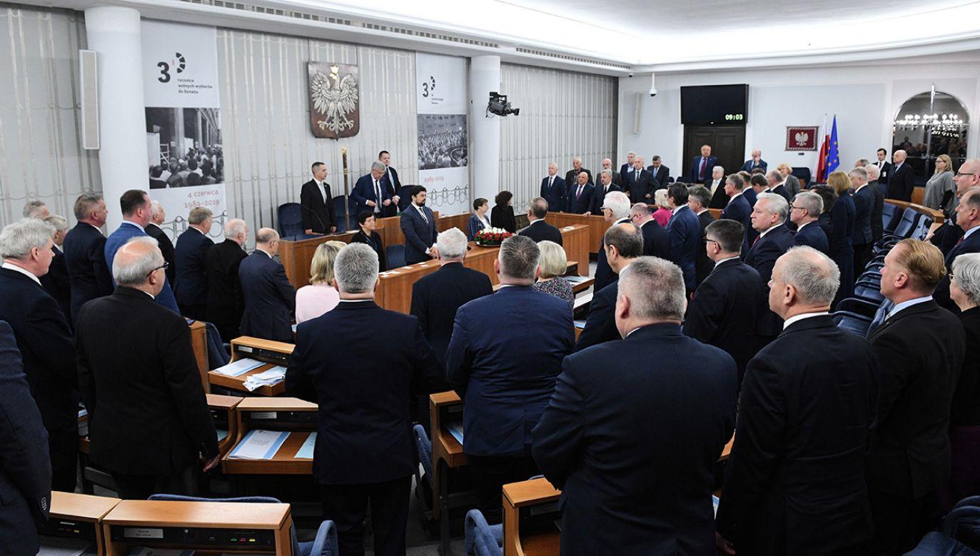 Opozycja zdobyła większość w Senacie (fot. arch. PAP/Radek Pietruszka)