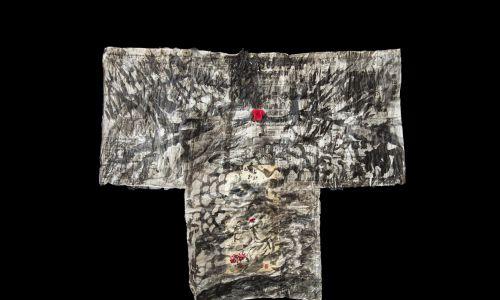 Przemyślana konstrukcja, na której każdy może pozostawić swój indywidualny ślad. Sama chętnie zakłada kimona. Dla niej to najszlachetniejszy ubiór świata. Cała ideologia zen. Fot. Kordegarda. Galeria Narodowego Centrum Kultury w Warszawie
