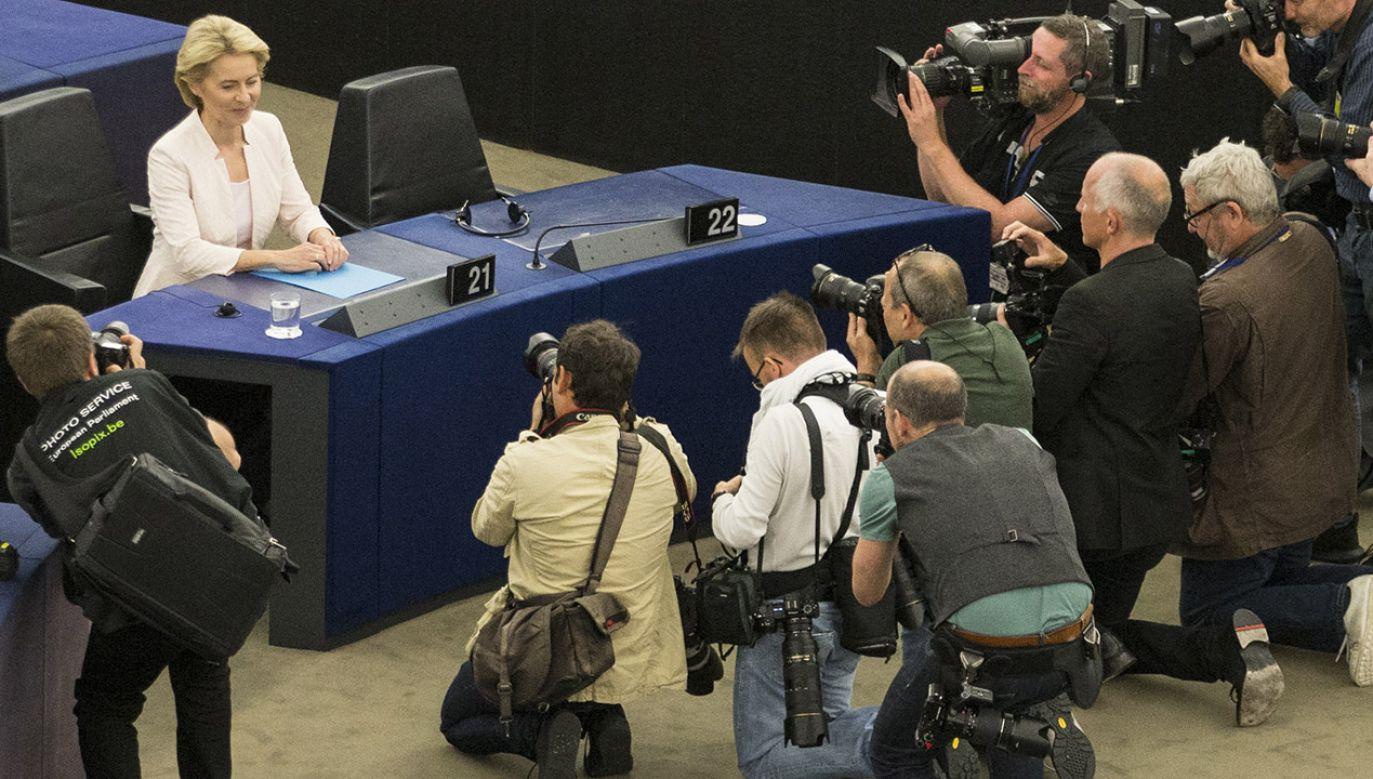 Kadencja Ursuli von der Leyen jest na razie zagadką (fot. Elyxandro Cegarra/NurPhoto via Getty Images)