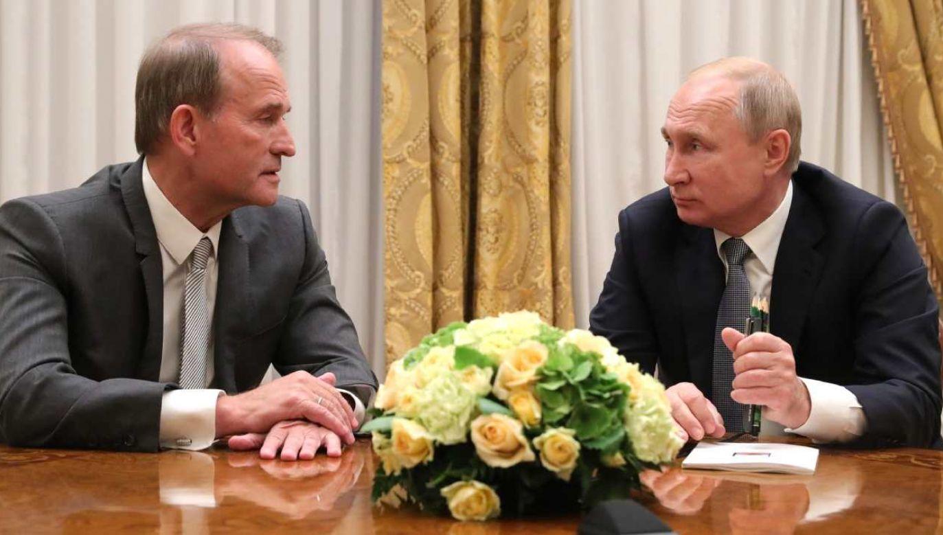Prezydent Rosji Władimir Putin (P) i lider prorosyjskiej opozycji Wiktor Medwedczuk (L)  (fot. Wikimedia Commons/Biuro prasowo-informacyjne prezydenta Rosji)