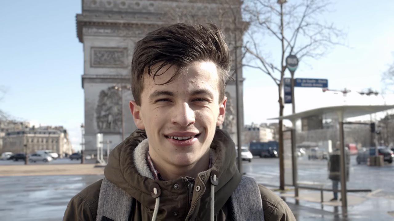 Jakub Vaugon sprostował podczas lekcji historii w gimnazjum w Paryżu nieprawdziwe informacje (fot. Facebook/Muzeum Powstania Warszawskiego)