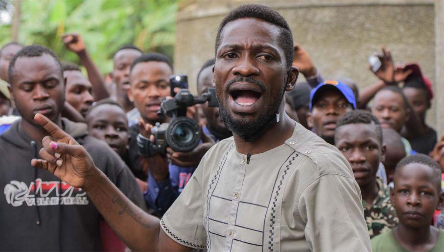 Bobi Wine rzucił wyzwanie dyktatorowi (fot. PAP/EPA/STR)