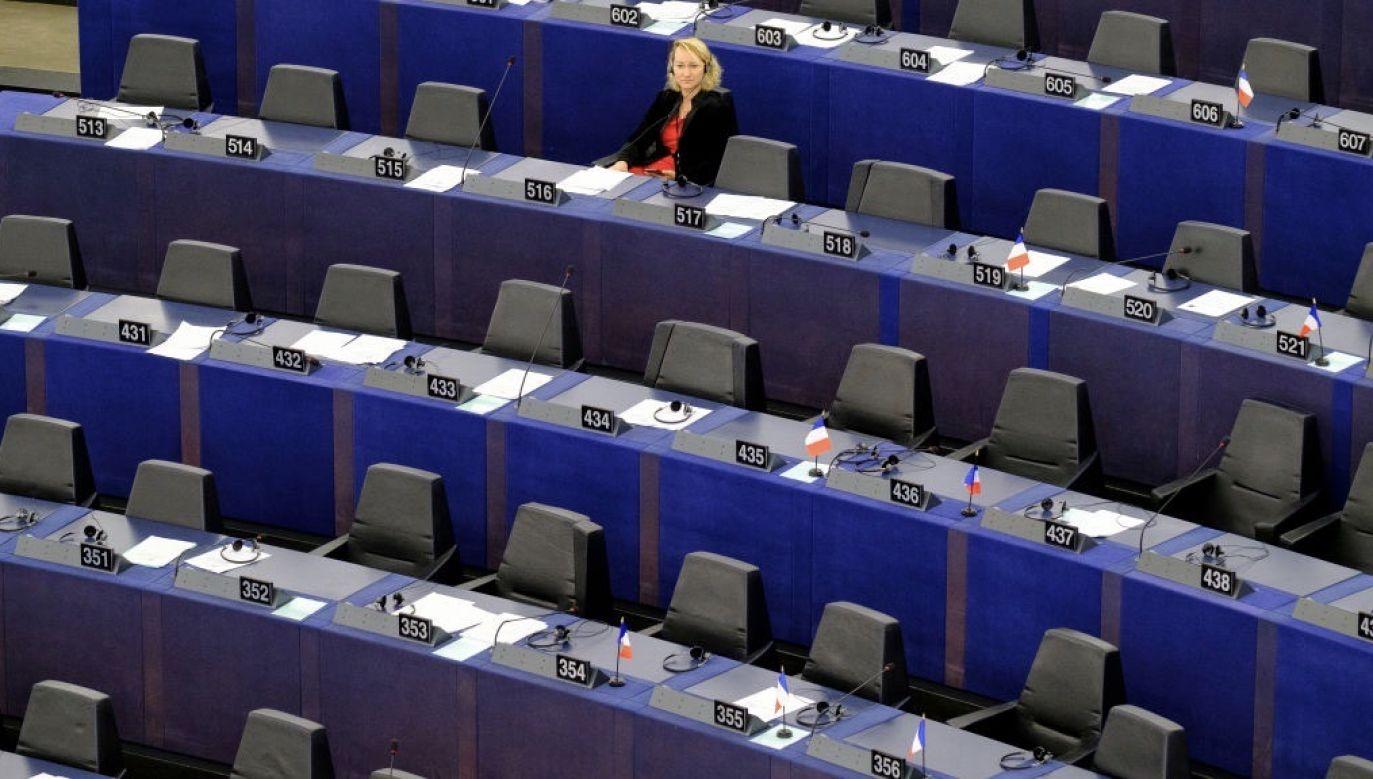 Głosowanie europosłów zostanie przeprowadzone mailowo (fot. Thierry Monasse/Getty Images)