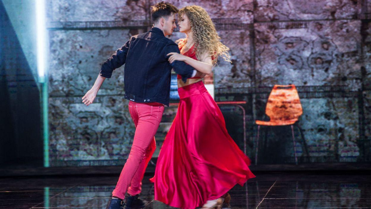 """Ania i Mateusz zatańczyli układ z teledysku Shakiry """"Hips Don't Lie"""". Jak wypadli? (fot. TVP)"""