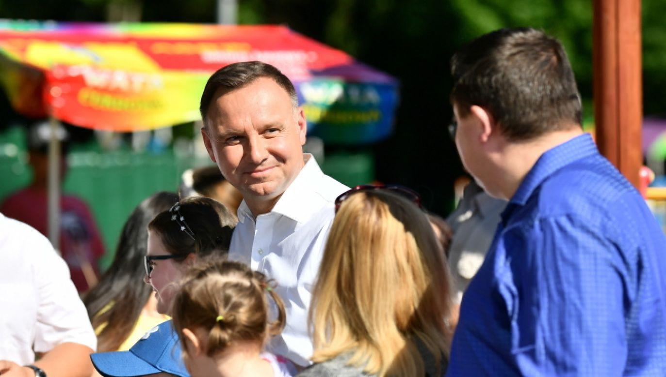 """""""Te wybory trzeba wygrać wbrew czarnej kampanii, tym brudom"""" (foto. PAP/Sebastian Borowski)"""