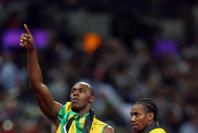 Radość zwycięzców po biegu na 200 metrów (fot.Getty Images)