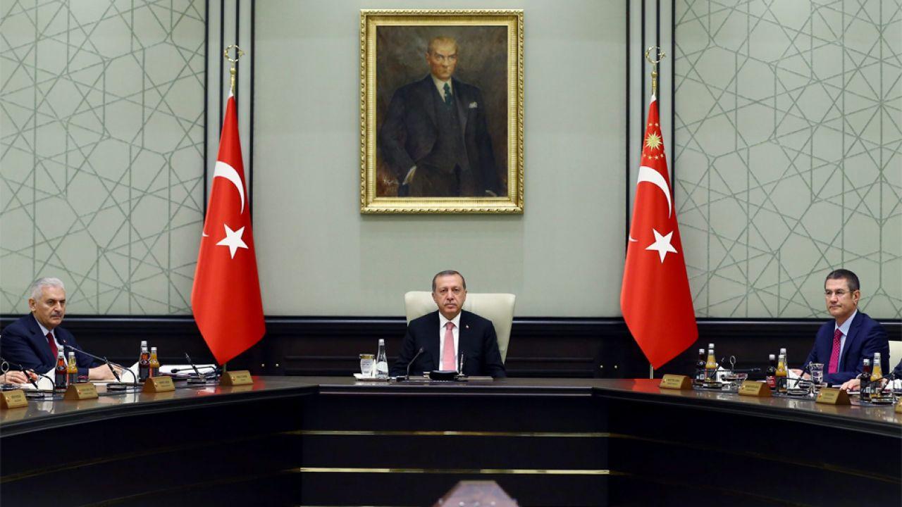 Prezydent Tayyip Recep Erdogan ma obecnie pełnię władzy (fot. PAP/EPA/TURKISH PRESIDENTAL PRESS OFFICE)