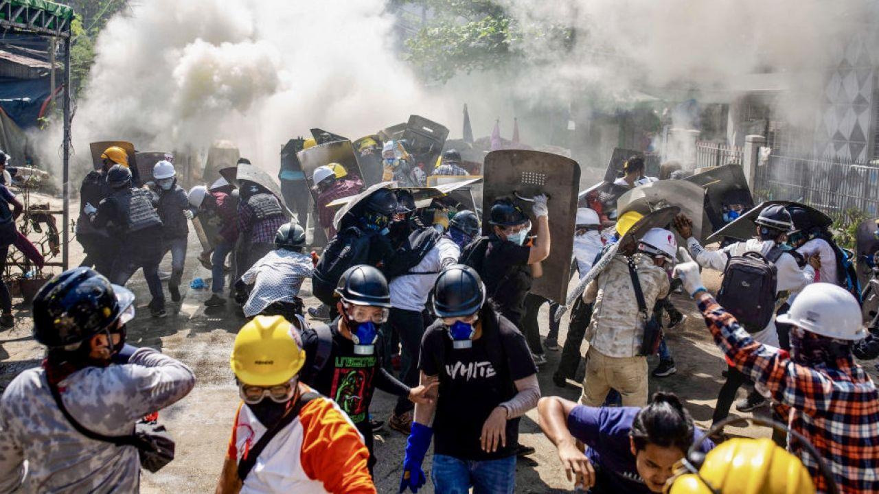 1 lutego birmańska armia obaliła demokratycznie wybrany rząd (fot. AKyaw Htet/SOPA/LightRocket/Getty Images)