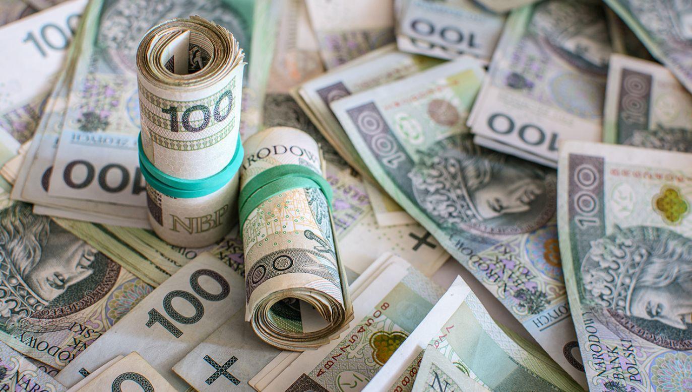 W tym roku wypłacono jednorazowe świadczenie w łącznej kwocie ponad 9 mln zł (fot. Shutterstock/Marcin Smolinsk)