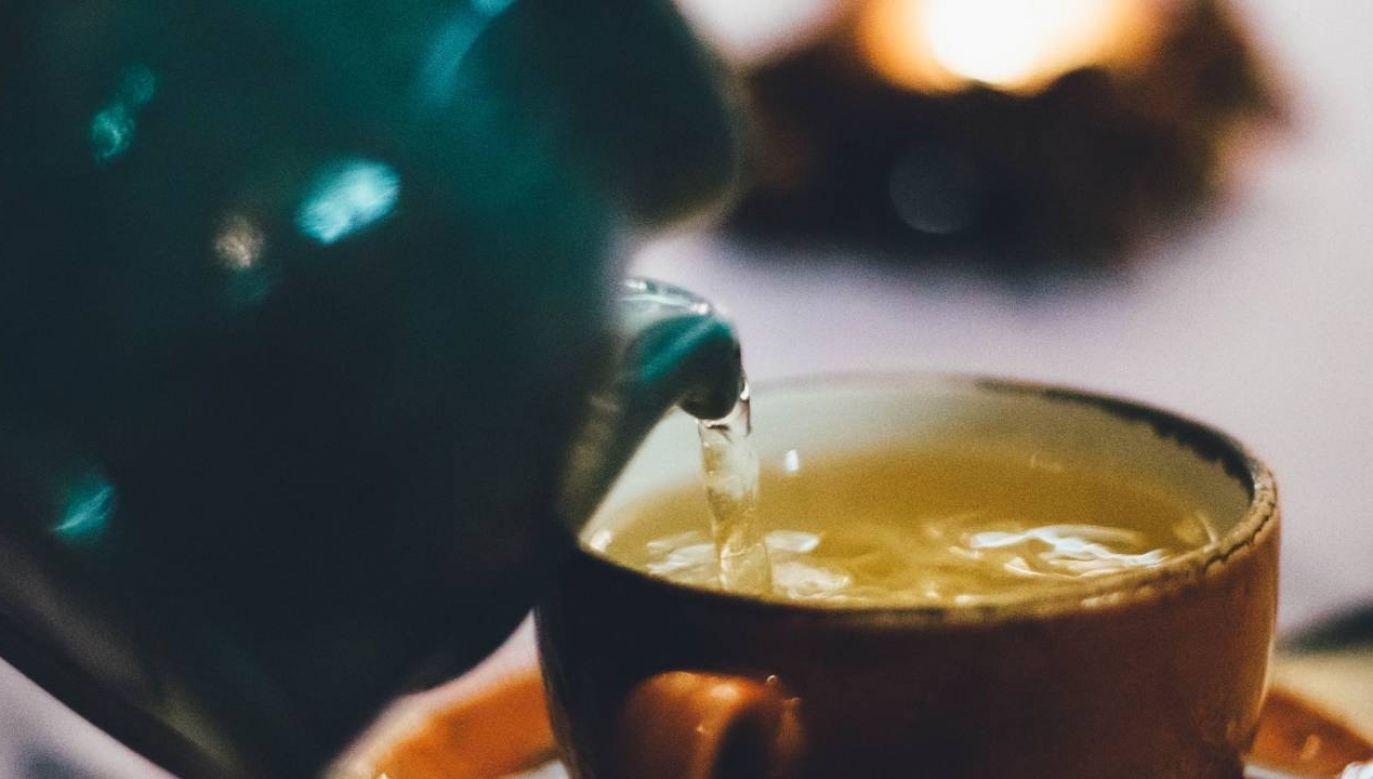Zielona herbata pomaga między innymi obniżyć ciśnienie (fot. Pexels)