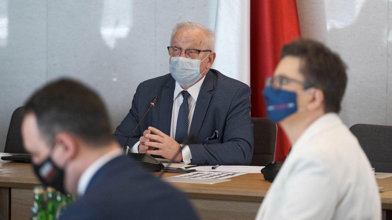 Koronawirus w Polsce. Bolesław Piecha komentuje sprawę COVID-19 (fot. PAP/Mateusz Marek)