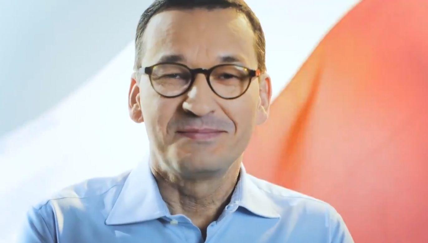 Premier zaapelował o wywieszanie biało-czerwonych flag (fot.TT/KPRM)