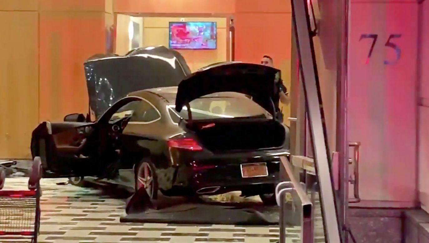 Trzy osoby zostały lekko ranne (fot. tt/Tony Aiello)