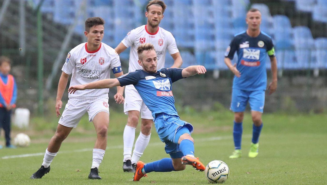 Hutnik Kraków, choć zajmował pierwsze miejsce w tabeli, nie awansował do II ligi (fot. Shutterstock/Marcin Kadziolka)