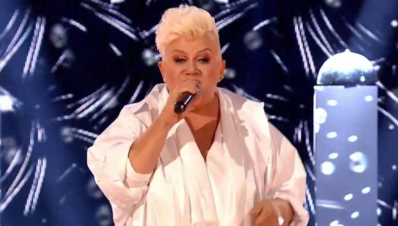 """Kolejną edycję programu """"The Voice Senior"""" wygrała Barbara Parzeczewska (fot.TVP Info)"""