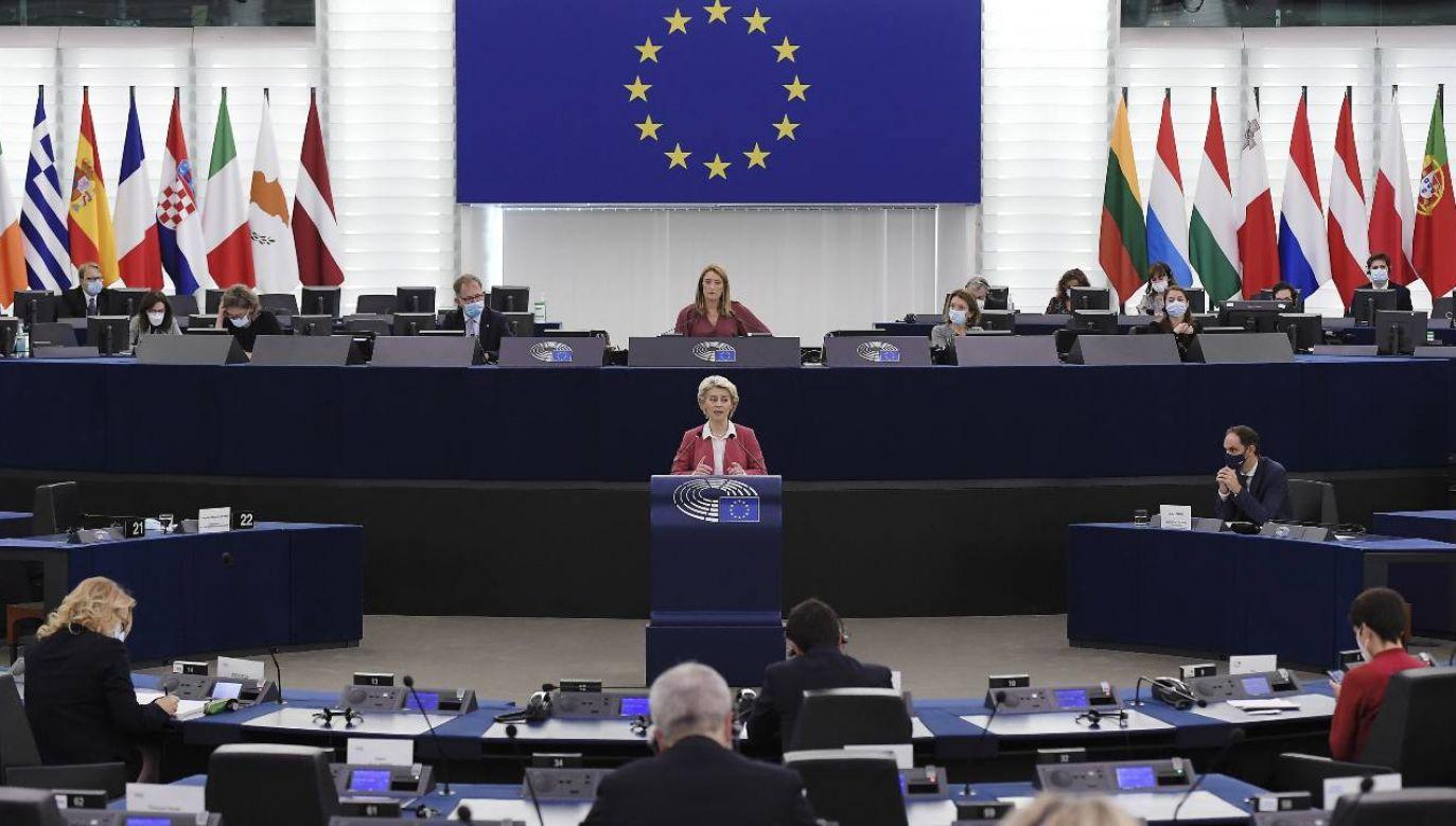 Bruksela traktuje Polskę jak kraj niższej kategorii – ocenia publicysta (fot. PAP/EPA/FREDERICK FLORIN / POOL)