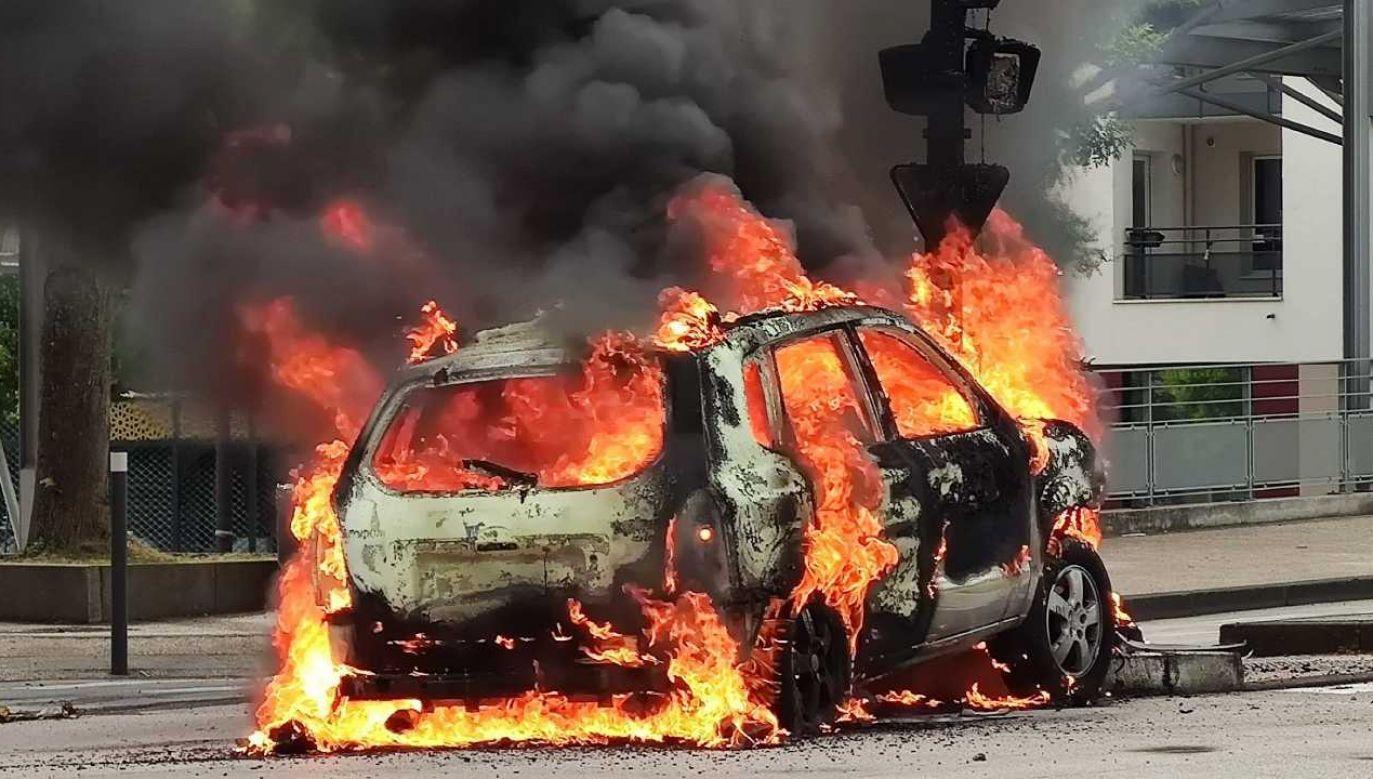 Dijon stanęło w ogniu (fot. PAP/EPA/VINCENT LINDENEHER)